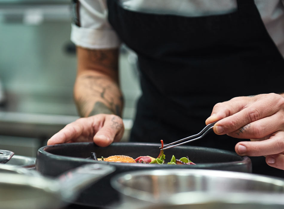 Restaurant chef plating